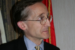 Noel Malcolm Warns Kosovo is Not South Ossetia and Abkhazia