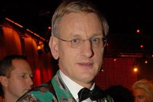 Swedish foreign minister Carl Bildt denies over half the Srebrenica massacre