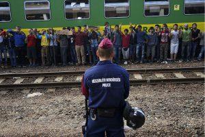 Syrian_refugees_strike_at_the_platform