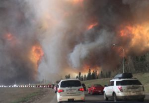Landscape_view_of_wildfire_near_Highway_63_in_south_Fort_McMurray