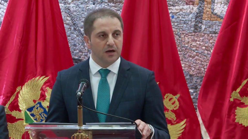 Gospodine Ministre, jezik bošnjačkog naroda je bosanski jezik!