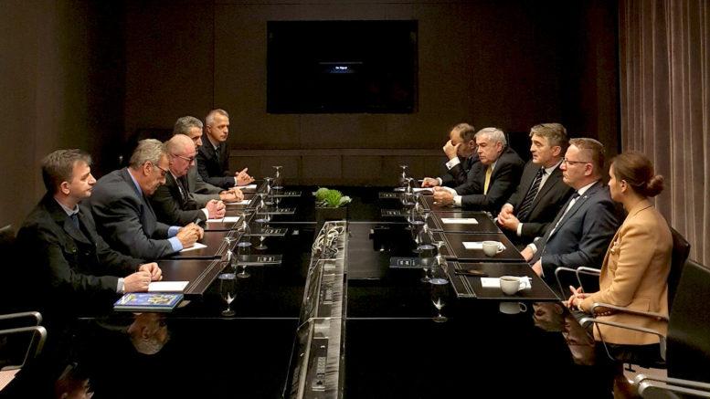 Predsjedavajući Predsjedništva BiH Željko Komšić razgovarao sa članovima UO KBSA